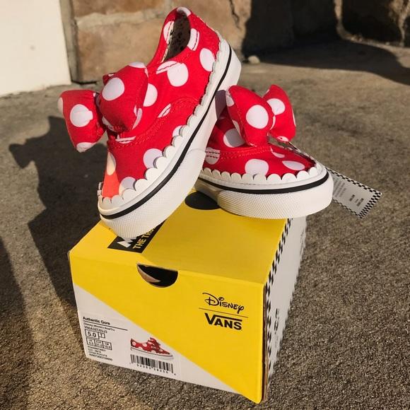 48632f4dbe Vans x Disney Kids Minnie Mouse Bow Vans